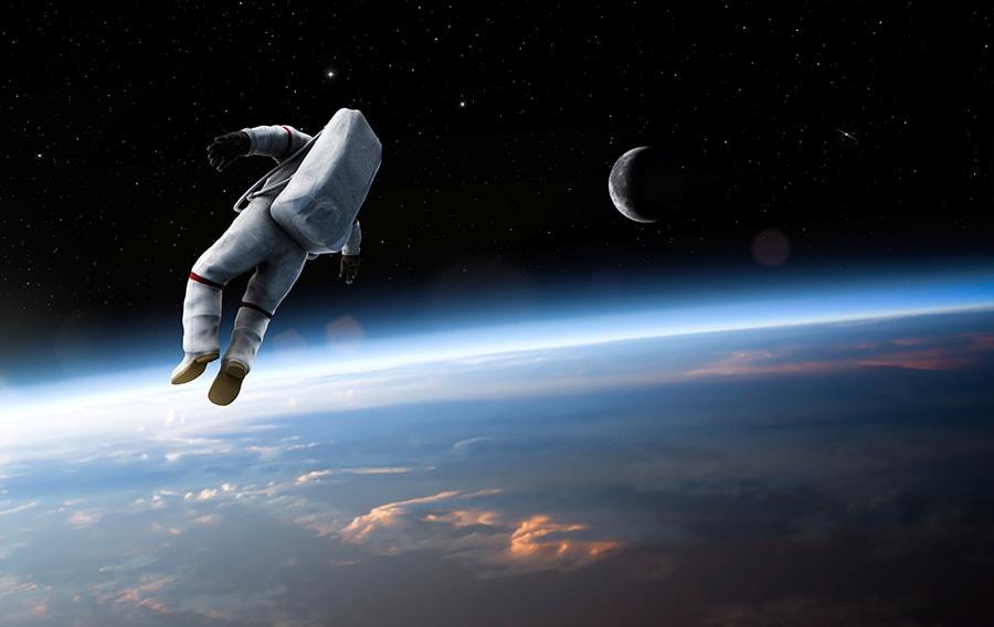 img-astronaut-min