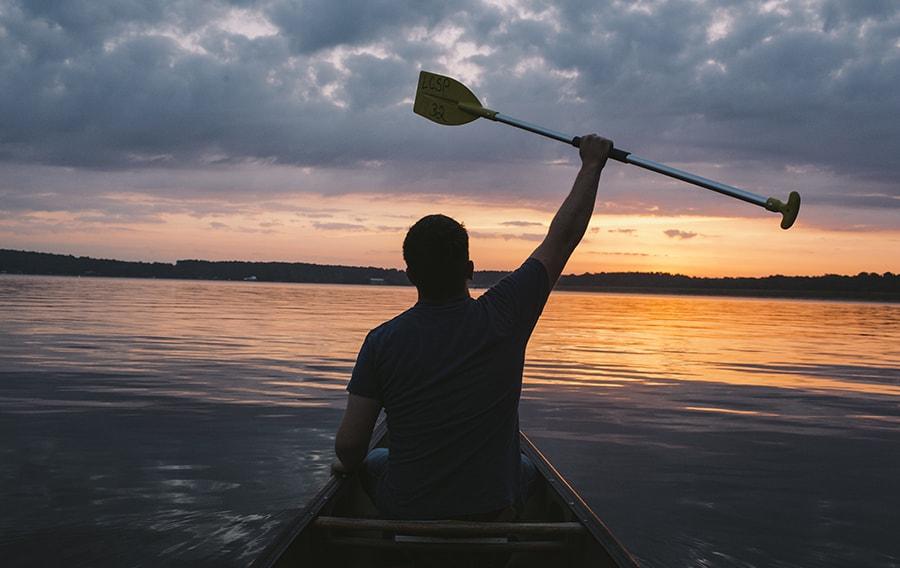 img-canoe-min